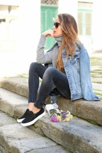 Slip-On-Sneakers-Street-Style-Looks-and-Chic-Combinations-1